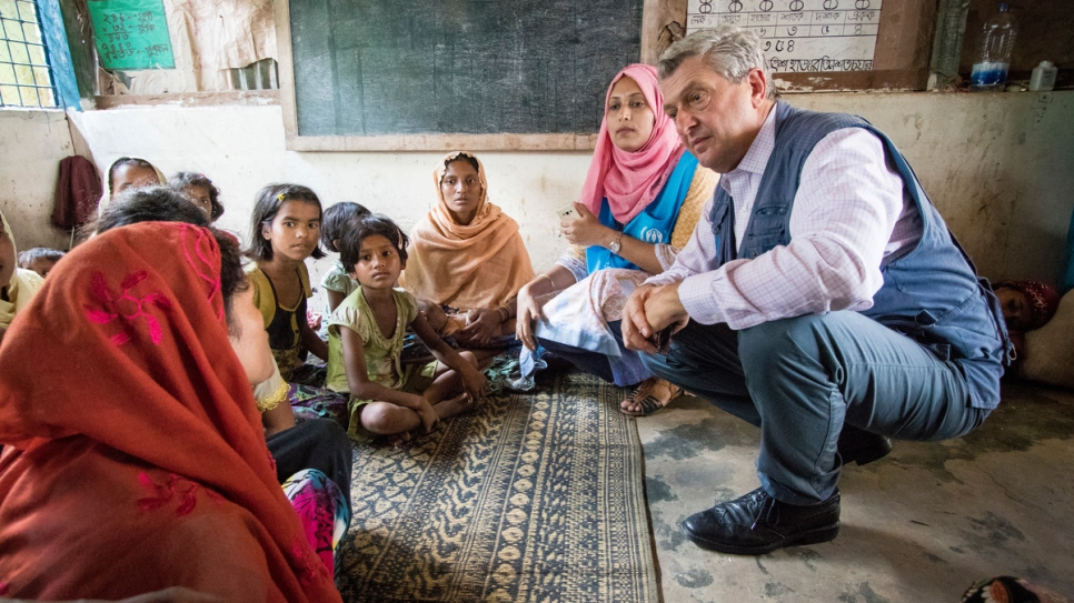 High Commissioner Filippo Grandi meets with Rohingya refugees at Kutupalong refugee camp in Cox's Bazar, Bangladesh.