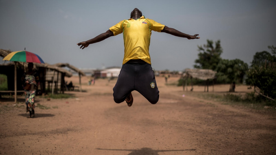 UNHCR - Congo dance project helps refugees take steps