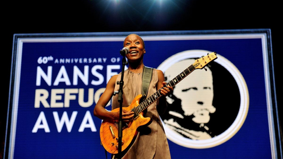 Malian singer-songwriter Rokia Traoré performs at the 2014 Nansen Refugee Award ceremony.