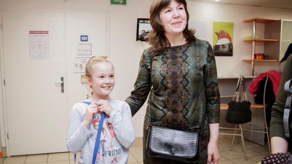 Ukrainian refugee Svetlana with her nine-year-old daughter Masha.