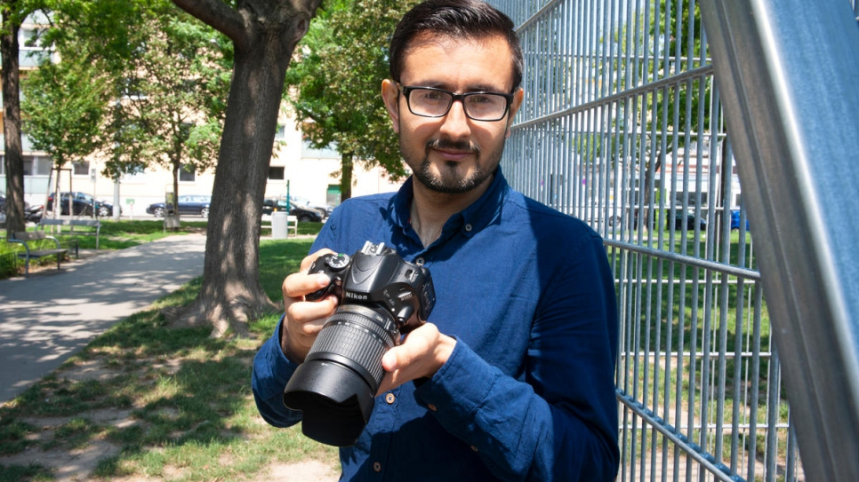 Murtaza Elham, an experienced photographer from Afghanistan, is studying on the Biber media course.