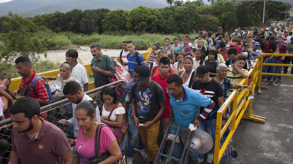 Over 4,000 Venezuelans enter Colombia every day. Thousands do it on foot, crossing Simón Bolívar International Bridge.