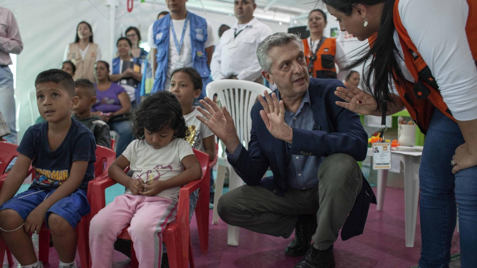 UNHCR chief Filippo Grandi visited the international bridge Simon Bolivar and its facilities, where UNHCR supports a child care area.