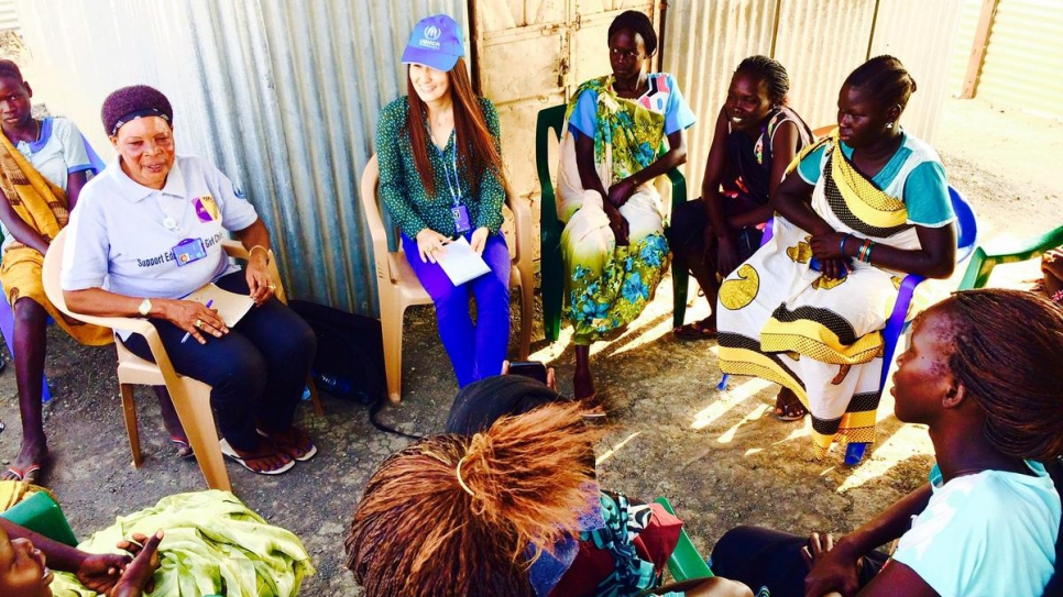 Keiko hosts a focus group for adolescent girls at a camp for internally displaced persons in South Sudan where incidents of children and young people committing suicide had occurred.