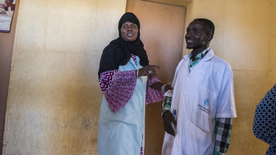 Jamilla Amadou with a medical colleague at the Centre de Santé de Référence.
