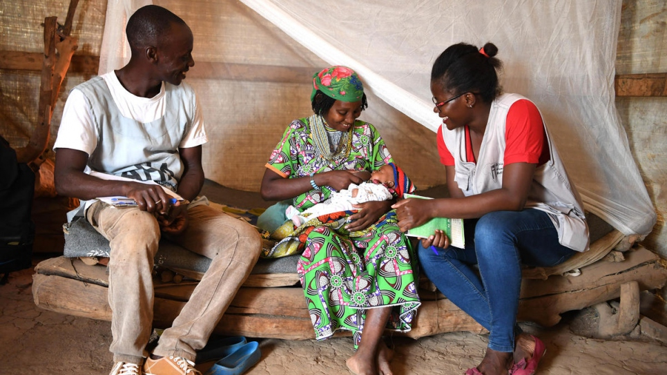 At Gado refugee site, home to 23,000 Central African refugees, 23-year-old Abdouraman Dourou breastfeeds her baby who was born weighing 0.7 kilograms but has reached a stable weight of 3 kilograms thanks to the Kangaroo method.