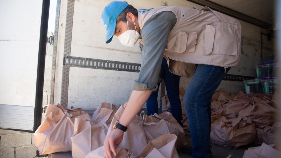 UNHCR steps up emergency assistance in Libya as continued conflict and COVID-19 create more hardship