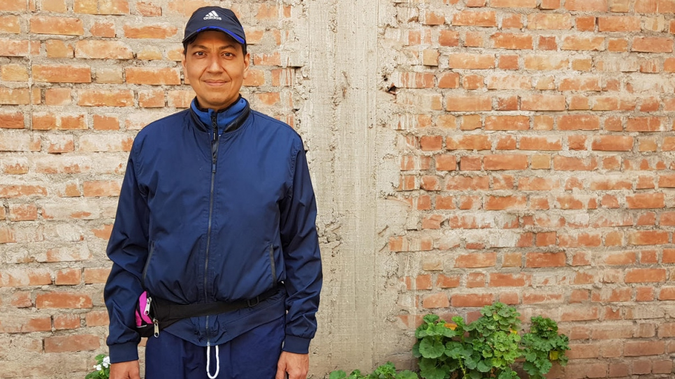 David Marín Cabrera is a Venezuelan refugee and psychologist living in Cuzco, Peru. He helps his fellow Venezuelans deal with the stress of life under COVID-19 lockdown through twice-weekly online counselling sessions.