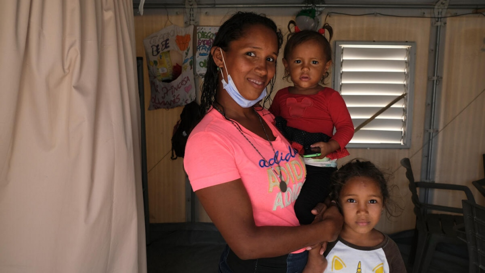 After nearly a week sleeping in a bus station, Verónica and her four kids found shelter at the Integrated Assistance Centre in Maicao, Colombia.