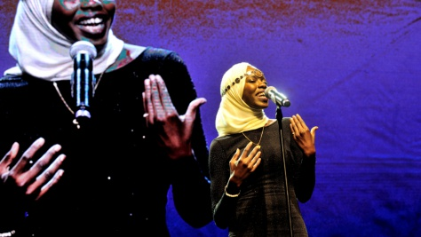 Emi Mahmoud performs at the 2016 Nansen Refugee Award ceremony