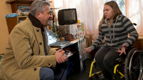 Ukraine. High Commissioner Filippo Grandi visits internally displaced persons close to eastern conflict zone
