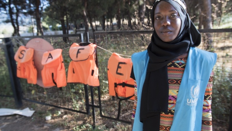 UNHCR High Profile Supporter Emi Mahmoud visits refugees in Greece