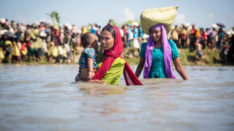 Bangladesh. Thousands stranded near Myanmar border
