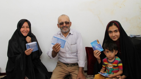 Iran. Afghan family among thousands benefiting from health insurance scheme